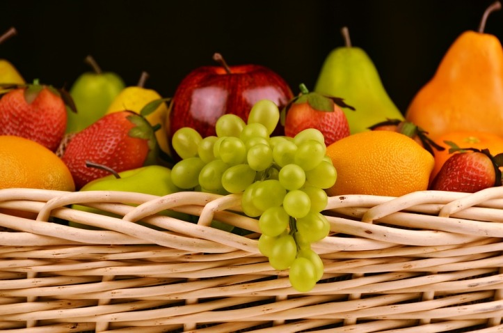 fruit-basket-1114060_960_720